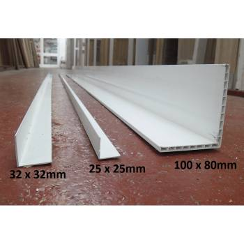 2.5m Plastic Angles