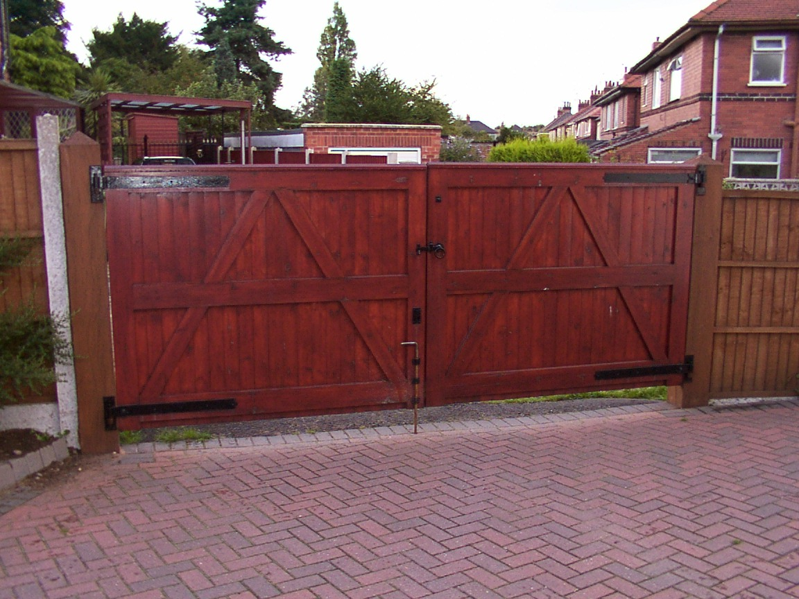 Softwood Driveway Gates Gallery